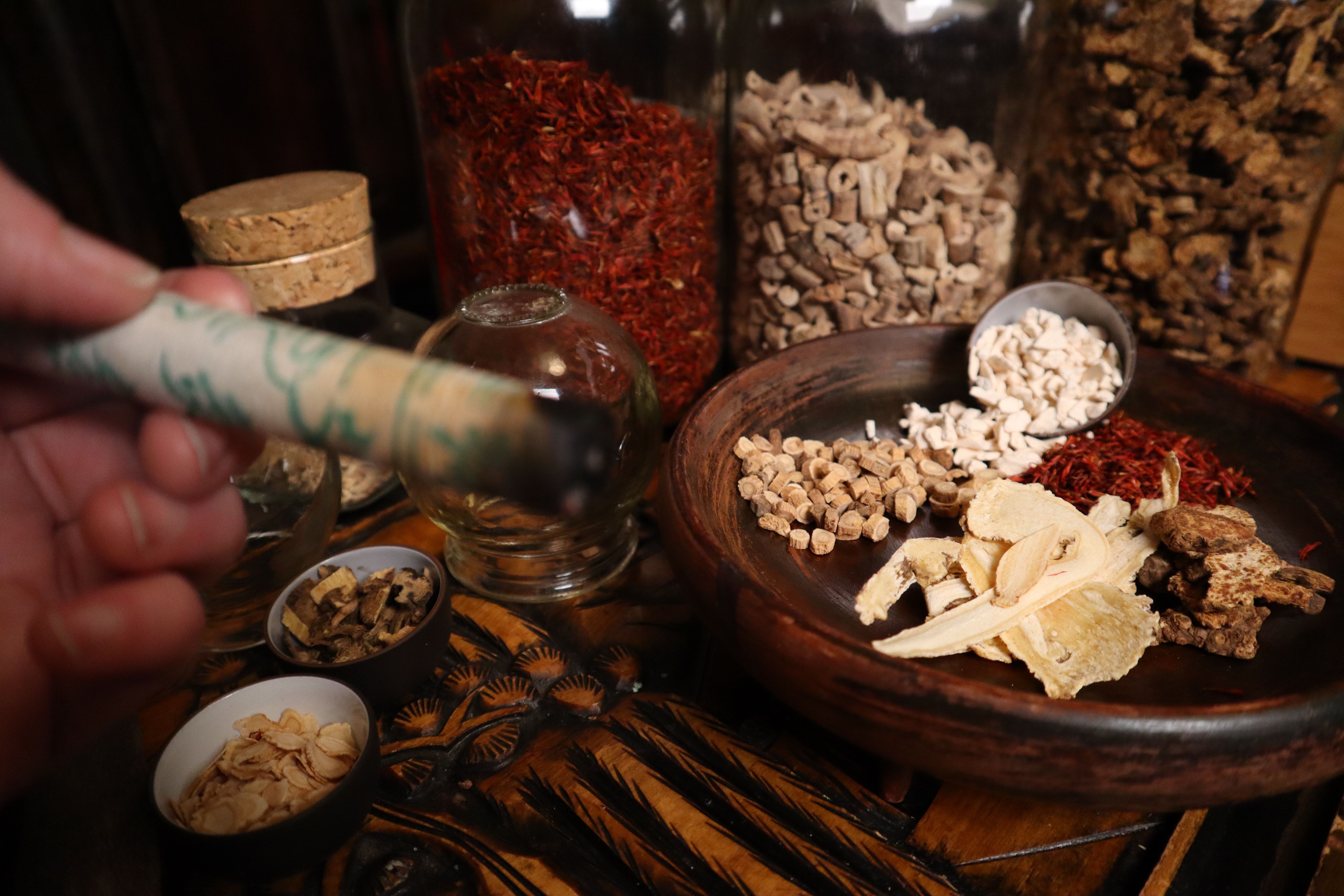 chinese-medicine-chinese-medicine-podcast-cupping-herbal-2464062